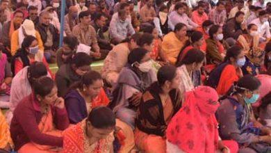 Photo of नियमितीकरण की मांग को लेकर पंचायत सचिवों का प्रदर्शन
