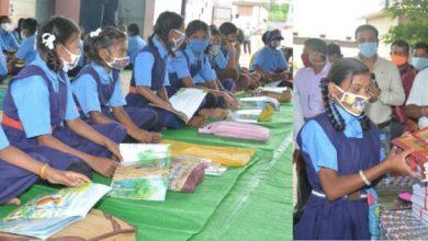 Photo of स्कूल शिक्षा मंत्री पहुचे बच्चों के बीच, चंदखुरी, पचेड़ा गांव में मोहल्ला क्लास का आकस्मिक निरीक्षण