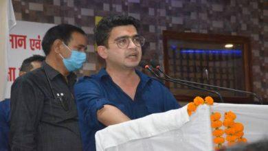 Photo of उत्तराधिकारी चुनने में मायावती से आगे निकले सतीश मिश्रा, अब बेटे को भी पकड़ाई राजनीति की राह