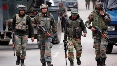 Photo of कश्मीर में फिर मंडराया '90' वाला आतंकी साया